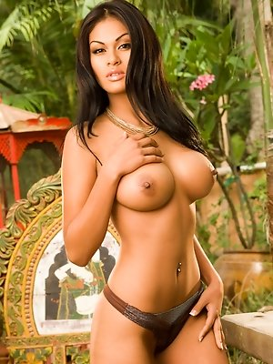 Carmen Reyes steams up the jungle with her muy caliente body.